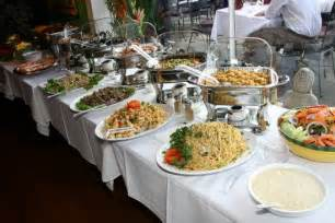 Inexpensive Buffet Tables How To Set Up The Buffet Table At Your Wedding
