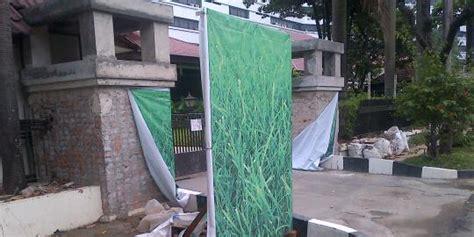 Gapura 15meter rumah dinas menteri di jalan denpasar dipercantik dengan gapura merdeka