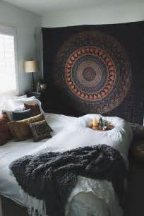 bohemian chic bedroom ideas best 25 bedroom themes ideas on bedrooms