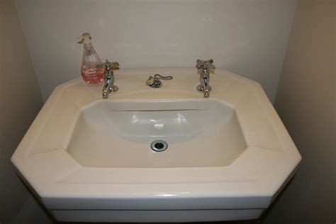 Paint Bathroom Fixtures How To Paint Your Bathroom Faucets No Need To Buy A New One Better Housekeeper