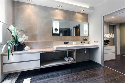 pavimento bagno moderno 100 idee di bagni moderni per una casa da sogno colori
