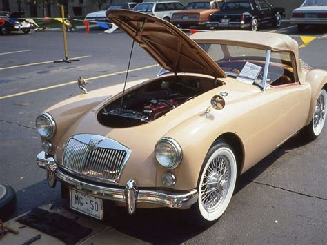 factory colors mga 1600 and roadster
