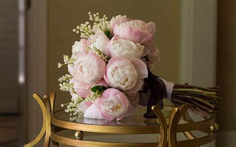 time out the boston flower check out the top floral wedding trends of 2015