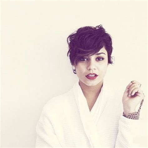 pixie cut curly hair round face short hairstyles for curly hair round face