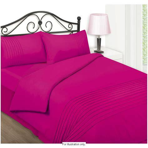 raspberry comforter pintuck 4 piece duvet sheet set double 256062 b m