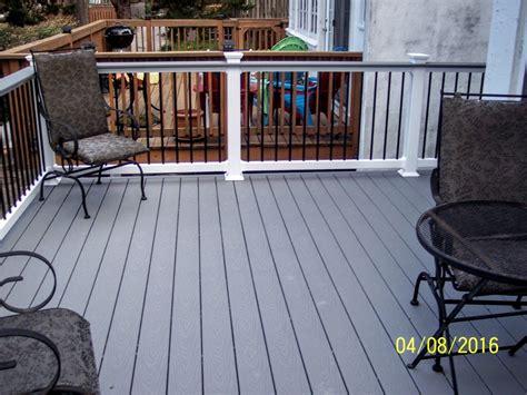 trex pebble gray decks   deck railings deck