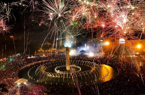 new year event jakarta how to indonesia new years 2018 fireworks live