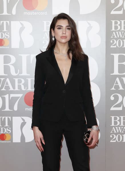 Dua Lipa Red Carpet | dua lipa photos photos the brit awards 2017 red carpet