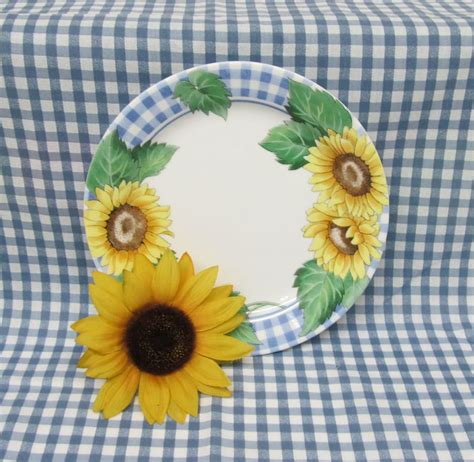sunflower pattern coreldraw corelle sunflower dinnerware set corning sunsations 16