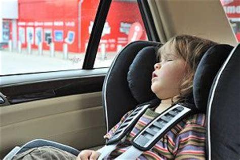bis wann kindersitz im auto pflicht welche kindersitze gibt es und welchen brauche ich