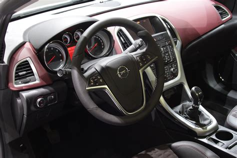 Opel Astra 2011 Interior by 2012 Opel Astra Gtc Wallpapers And Pictures Frankfurt
