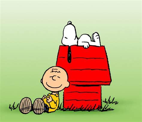 casa di snoopy auguri peanuts hanno 65 anni ma non li dimostrano io donna