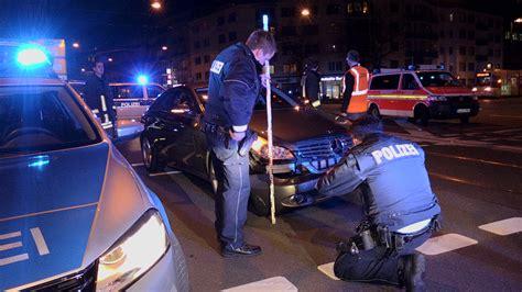 Motorrad Ecke G Ppingen schwerer unfall zwischen pkw motorrad motorradfahrer