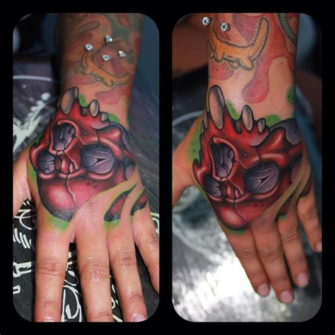 skull on hand tattoo skull on best ideas gallery