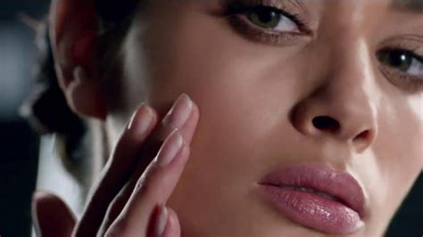 olay commercial actress 2015 olay regenerist models olay regenerist model tv commercial