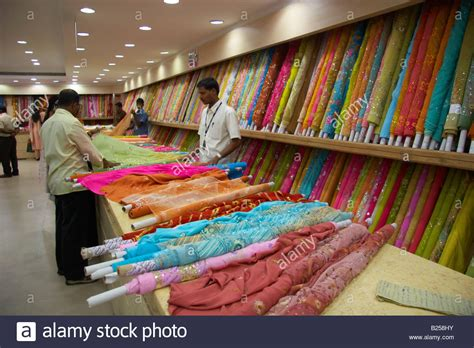list of major textile shops in tamilnadu shopping for indian fabrics for sale in pothys textile store panagal