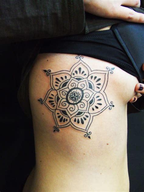 tattoo mandala en el hombro mandala tatuajes para mujeres