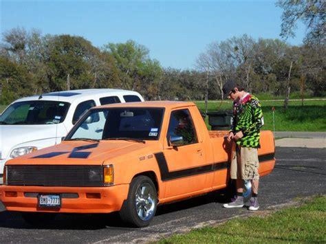 hayes car manuals 1994 mitsubishi mighty max macro auto manual service manual installing a 1994 mitsubishi mighty max macro timing belt tensioner laidmits