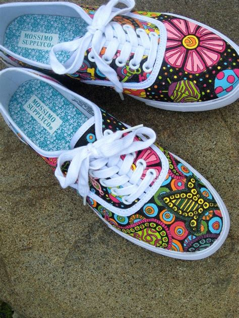 Decorated Shoes by 17 Best Ideas About Decorate Shoes On Flip