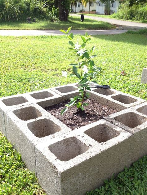 cheap flower bed ideas 17 best images about raised flower beds on pinterest