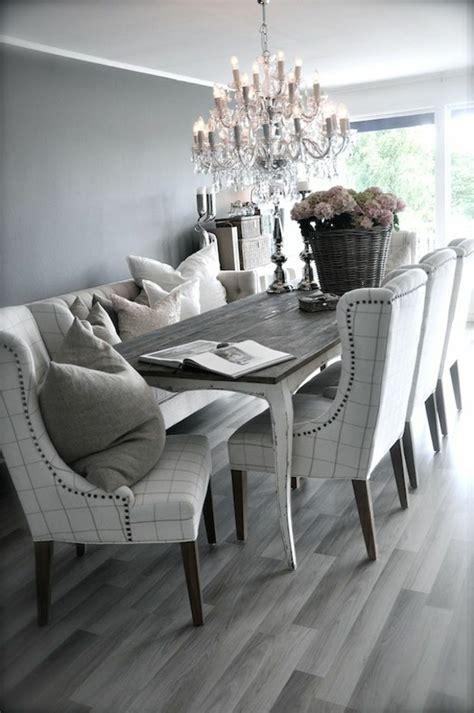 Attrayant Lustre Pour Salle A Manger #2: chaises-de-salle-à-manger-deco-luxe-gris-lustre-baroque-fleurs.jpg