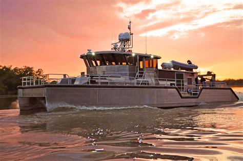 metal shark aluminum boats of jeanerette la metal shark delivers 75 catamaran dsv to aqueos corp