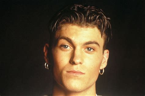 guys hairstyles in the 90s short 90s hairstyles