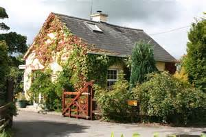 Cottages To Rent In Coopers Cottage Traditional Cottage In Tipperary 3 Br