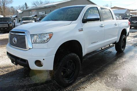 books on how cars work 2010 toyota tundramax lane departure warning 2010 toyota tundra limited 4x4 4dr crewmax cab pickup sb 5 7l v8 in windom mn la motor sports