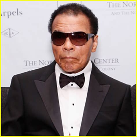 Hospital Background Check Muhammad Ali Checks Into Hospital For Pneumonia Muhammad Ali Just Jared