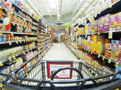 Grocery Store by Grocery Stores Are Using Technology Business Insider