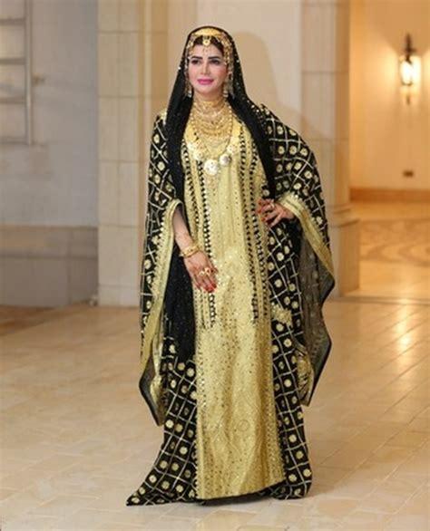 Abaya Ori Saudi Manal manal ahmed of abu dhabi become the emirati to receive the title of fashion and
