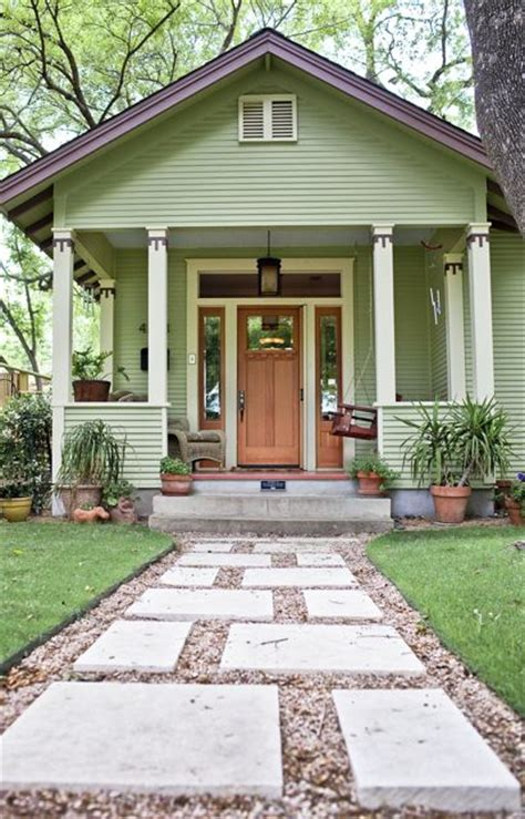 houses in austin tx hyde park historic homes tour austin texas carlisle flowers