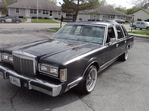 old car owners manuals 1985 lincoln town car engine control service manual how to bleed 1985 lincoln town car 1985 lincoln town car information and