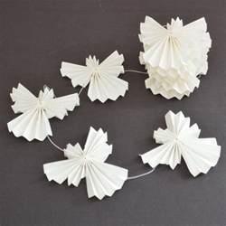 beautiful simple scandinavian inspired xmas decorations