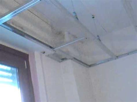 controsoffitto isolato struttura telaio contro soffitto cartongesso di vetro