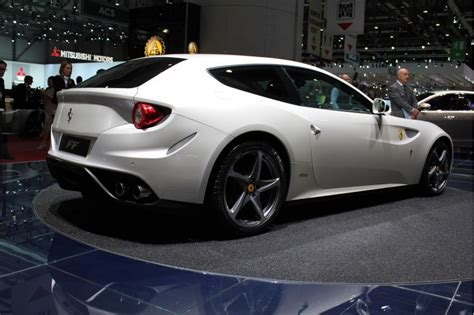 service manual 2012 ferrari ff 2011 geneva auto show youtube 2012 ferrari ff live photos