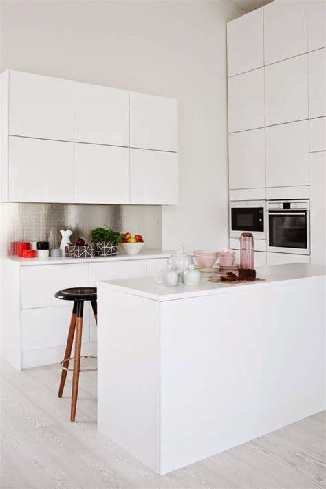 como decorar un baño con cajones 50 fotos de cocinas modernas peque 241 as llenas de