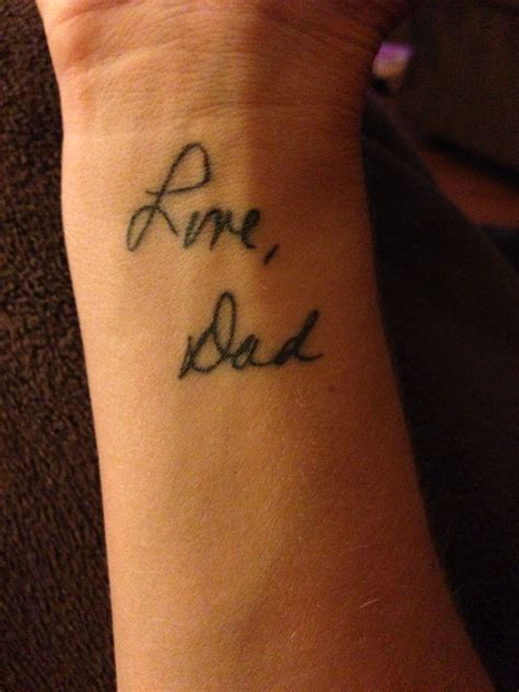 autograph tattoo my away from cancer in 2010 i took a card he