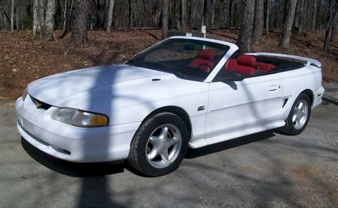 1995 white mustang white 1995 ford mustang gt convertible