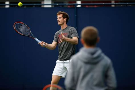 romeo beckham tennis tournament andy murray gives tips to romeo beckham at queen s club as