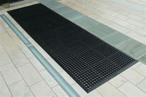 Outside Mats For Porch by Outdoor Rubber Honeycomb Entrance Mats Mats Nationwide