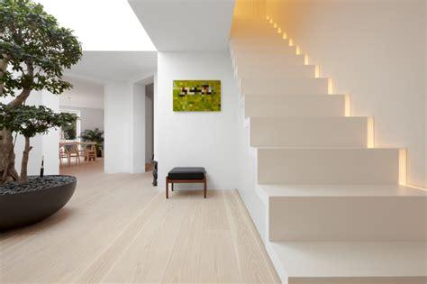 le mit bewegungsmelder innen treppe