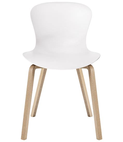 nap chair wooden legs