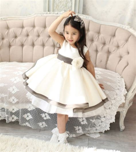 Baju Anak Perempuan Lucu model baju anak perempuan lucu dan menggemaskan terpopuler