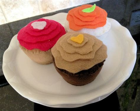 pattern felt cupcake happiness and living fab diy making felt cupcakes free