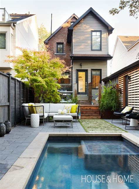small backyards with pools best 25 small backyard pools ideas on small