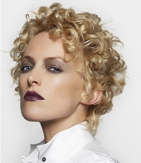 short natural hairstyles for square face short haircuts with curly hair