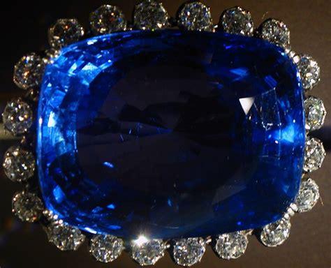what color is sapphire gem coach