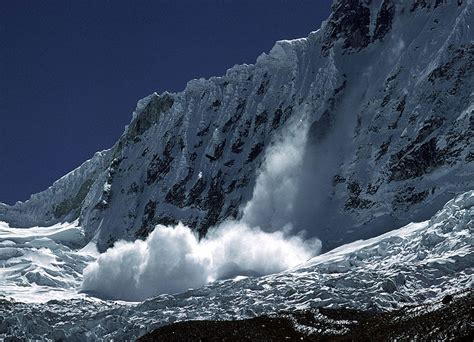 icy avalanche swisseduc glaciers online glaciers of the world